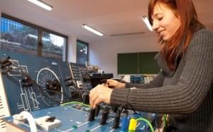 Im Labor für Elektrotechnik