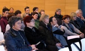 Interessiertes Publikum, Elternverterter und Schüler