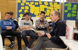 Hans Platzgumer während der Lesung an der TFO/RG