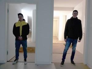Biennale: Wer ist hier zu klein oder zu groß?