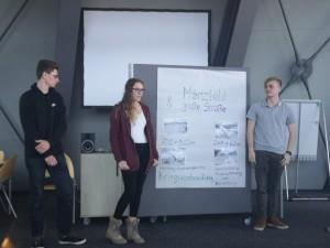 2. Bild: Vorstellung der Gruppenarbeiten im Dokumentationszentrum Reichsparteilgelände in Nürnberg